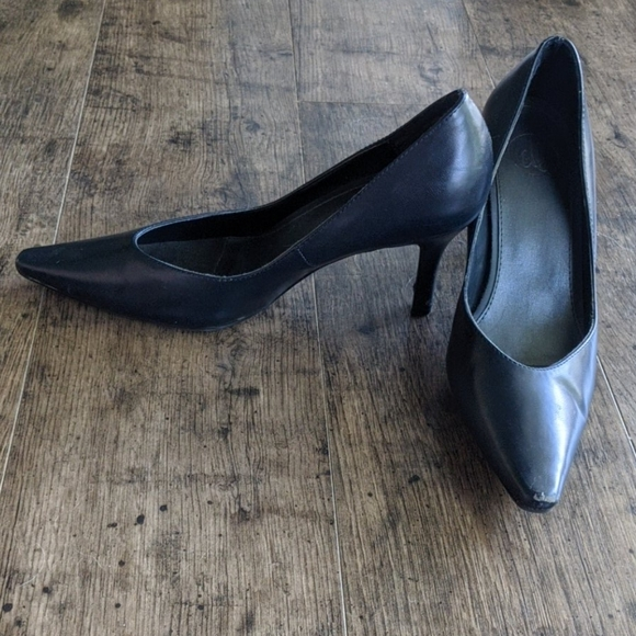Donna Lawrence Shoes | Navy Blue Pumps